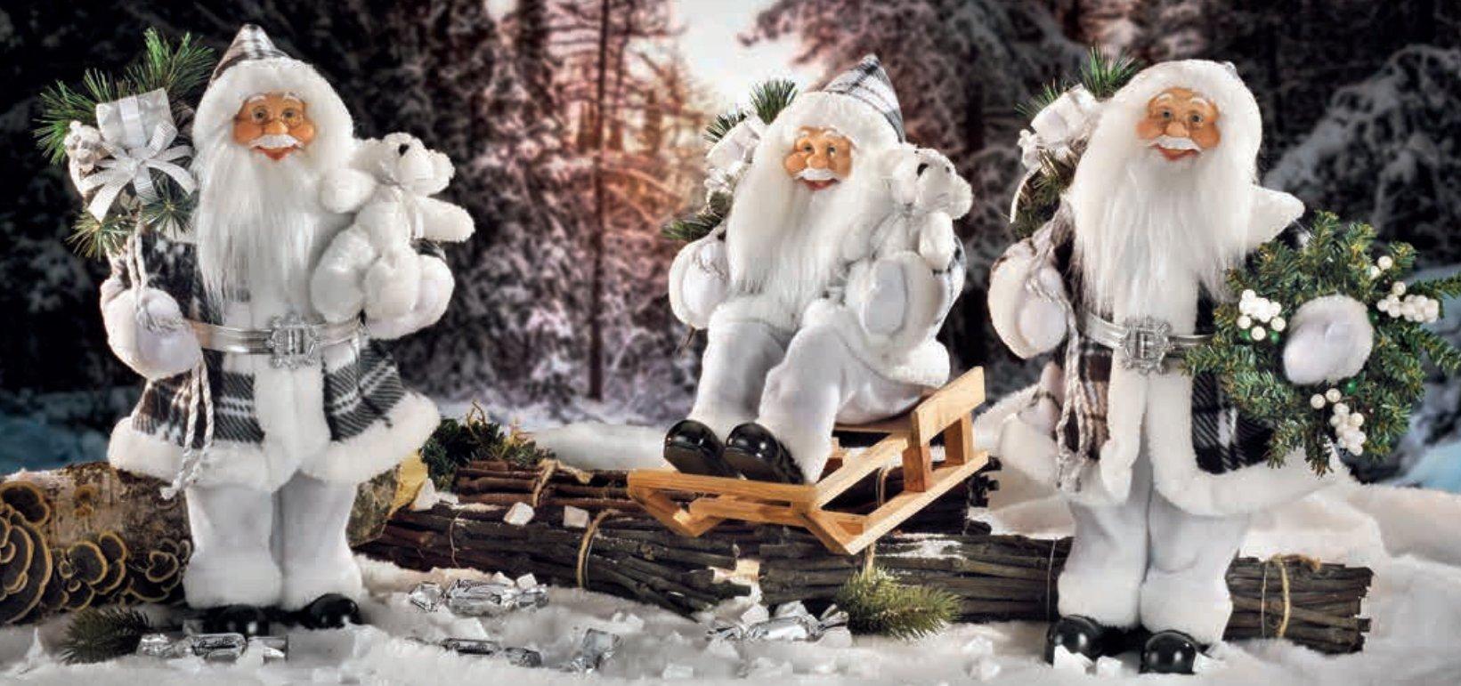 Pupazzi Babbo Natale rifiniti sartorialmente.