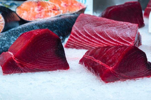 Il Tonno Rosso del Mediterraneo Siciliano: per feste sane, gustose e genuine.